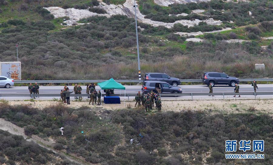 (国际)(1)以军封锁约旦河西岸城市实施搜捕行动