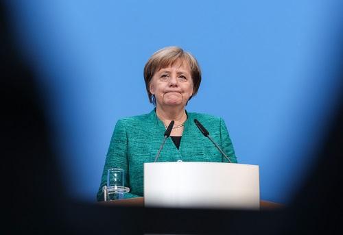 迎难而上?德国总理默克尔决心做满四年任期致命伴侣在线观看