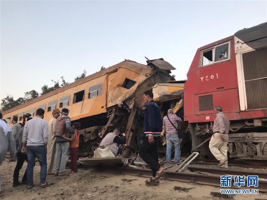 (国际)(3)埃及北部火车相撞造成至少16人死亡