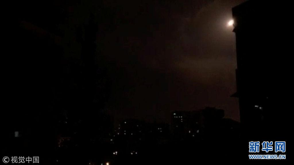 叙政府军在大马士革附近击落13枚导弹