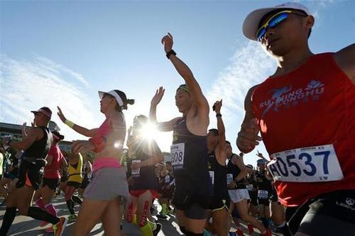 一年千逾场,中国人为何如此热爱马拉松?