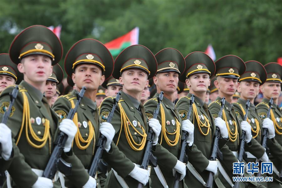 (国际)(1)白俄罗斯举行独立日阅兵式 解放军仪仗队首次应邀参加