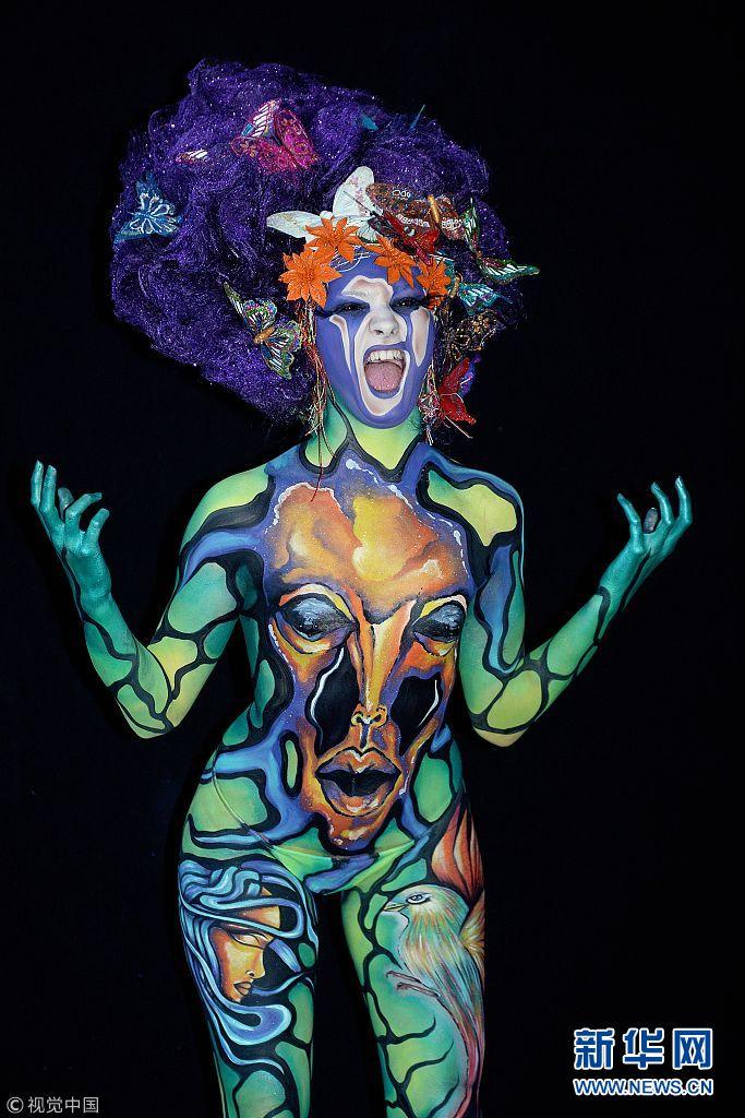 奥地利举行世界人体彩绘艺术节 造型奇特