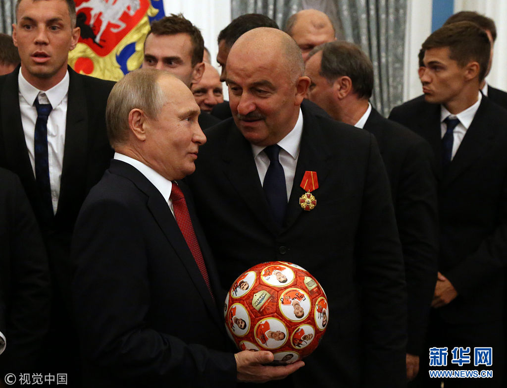 俄罗斯莫斯科,俄罗斯总统普京在克林姆林宫为参加2018年世界杯的