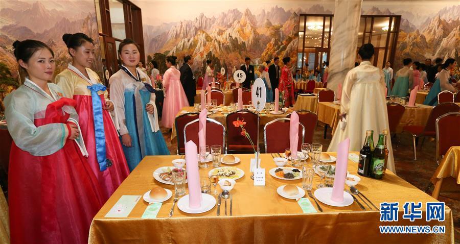 (國際)(1)朝韓離散家屬在朝鮮金剛山共進晚餐