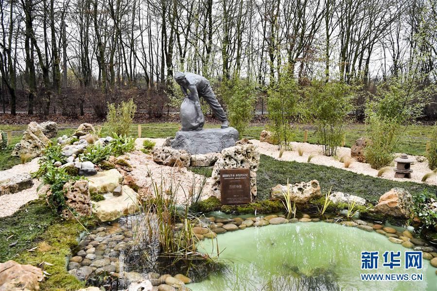 (國際)(2)一戰華工雕像在法國聖康坦市揭幕