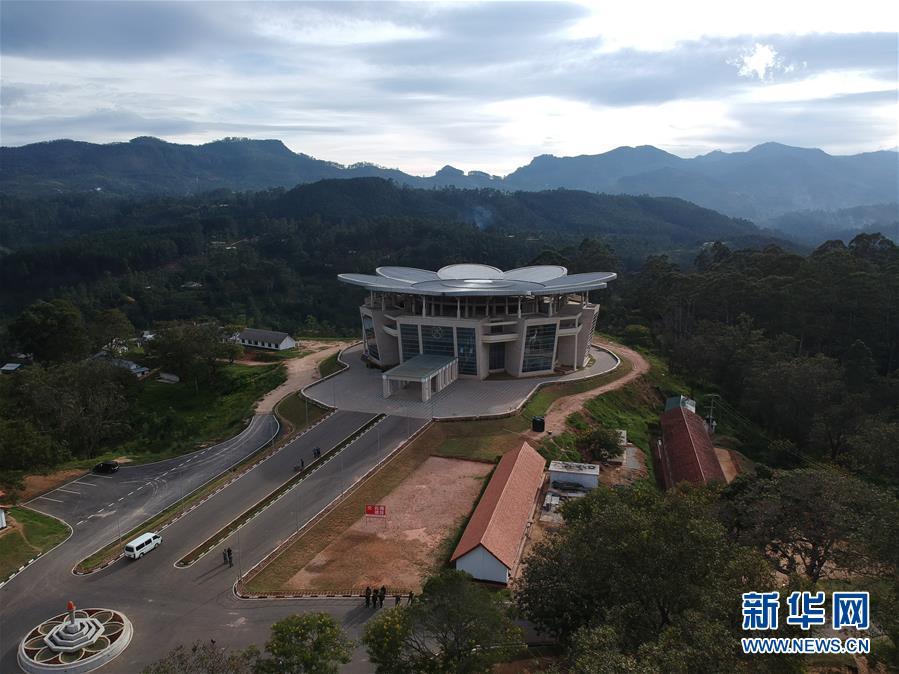(國際)中國援建斯裏蘭卡軍事學院綜合樓項目舉行交接儀式