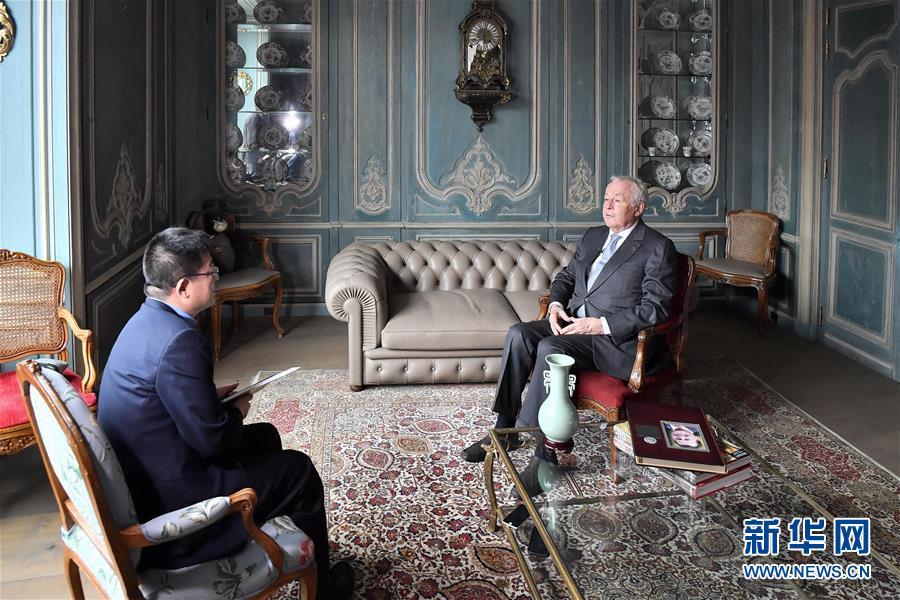 """(國際·圖文互動)(1)專訪:""""我有幸參與和見證了中國改革開放40年""""——訪中國改革友誼獎章獲得者阿蘭·梅裏埃"""
