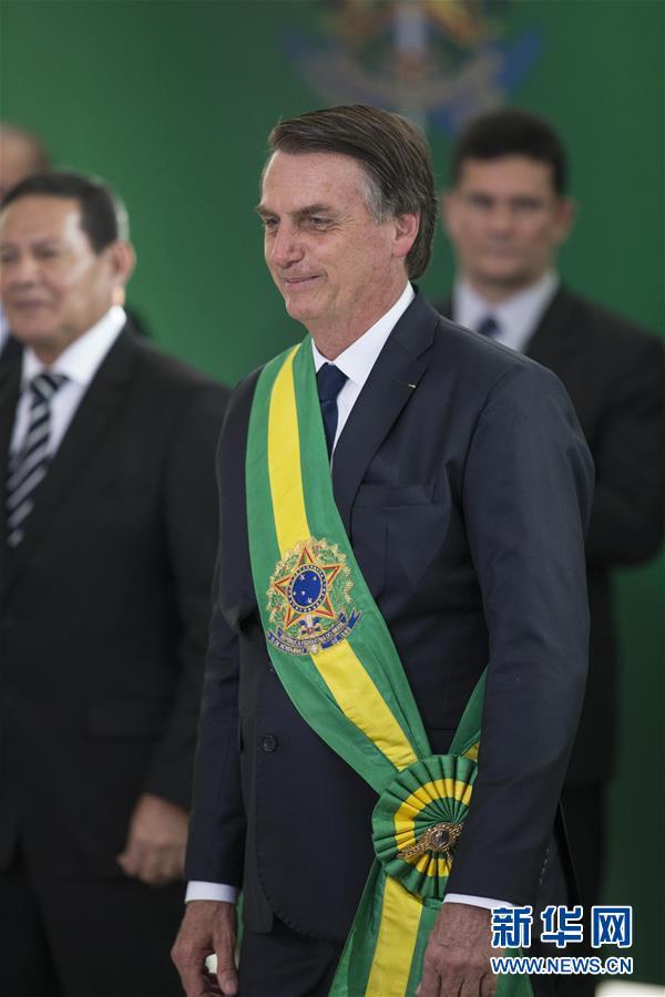 (国际)(3)博索纳罗宣誓就任巴西总统 强调恢复经济消除腐败