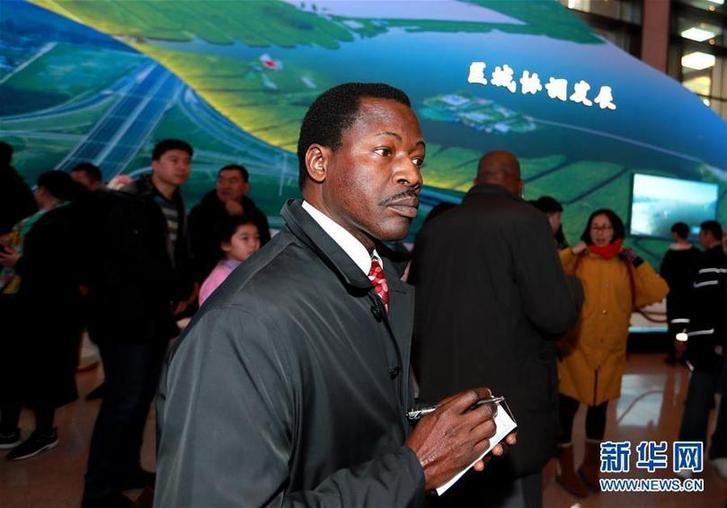 (圖文互動)(2)中國,未來可期——非洲使團參觀慶祝改革開放40周年大型展覽
