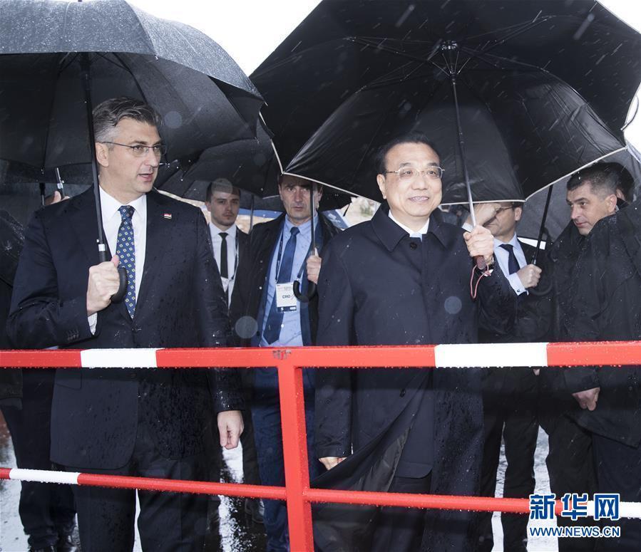 (时政)李克强和克罗地亚总理普连科维奇共同考察佩列沙茨大桥项目
