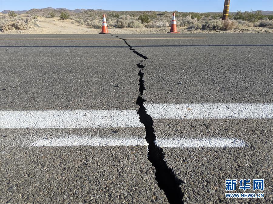 (國際)(1)美國加州強震過後余震頻繁 震中地區進入緊急狀態