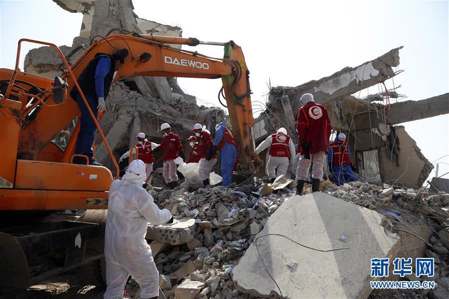 (国际)(1)也门遇袭监狱搜救工作继续