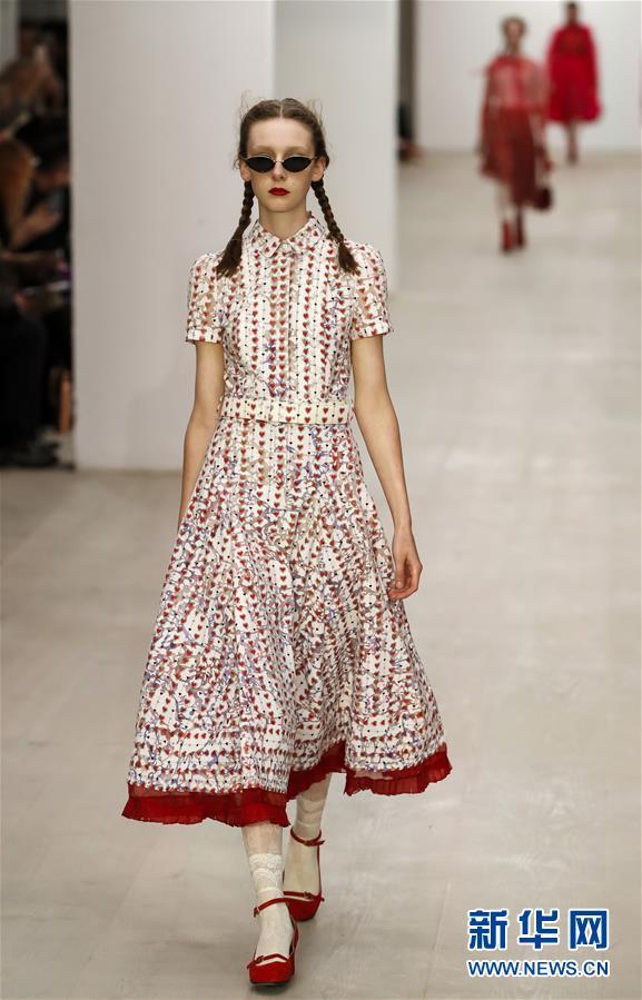 (国际)(1)2020伦敦春夏时装周开幕