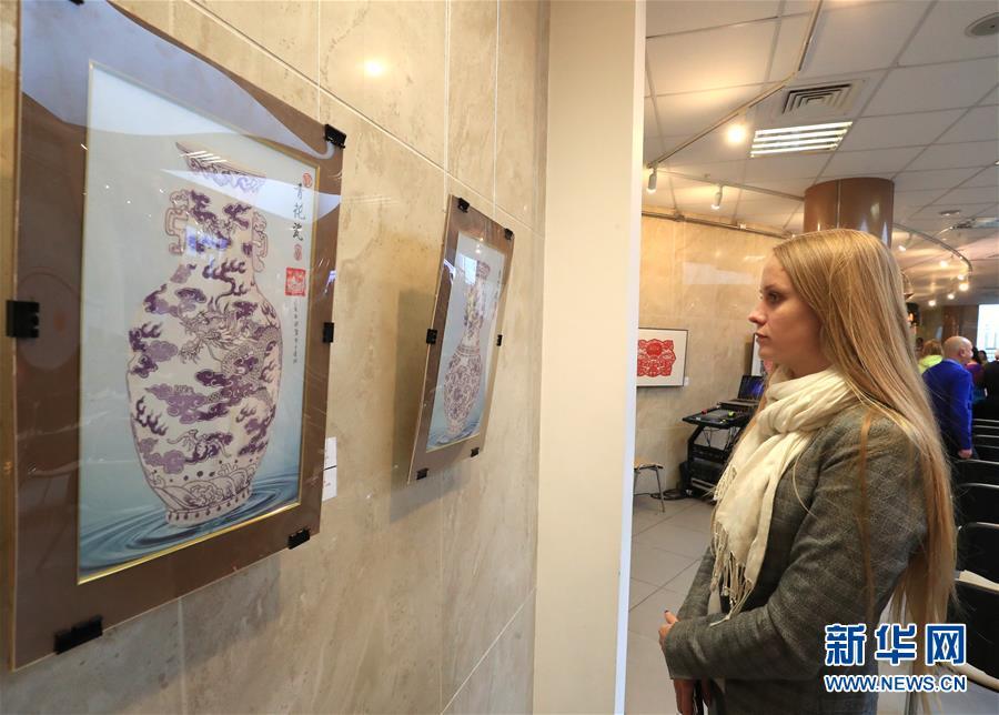 (國際)(3)中白民間藝術精品展在白俄羅斯開幕