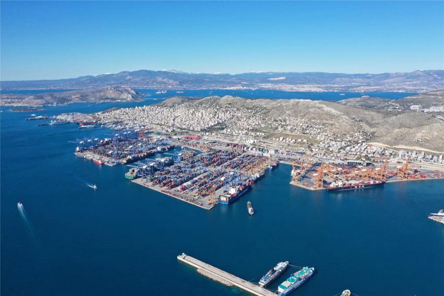 希腊最大港口比雷埃夫斯港。新华社记者吴鲁摄