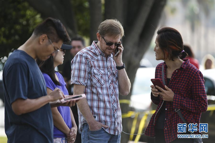 (国际)(1)美国加州一高中发生枪击案致2死4伤