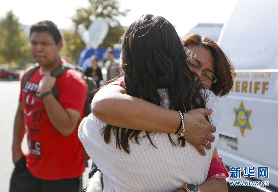 (国际)(3)美国加州一高中发生枪击案致2死4伤