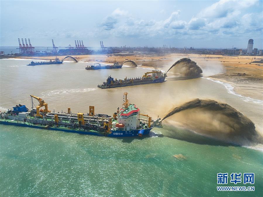 """(國際·圖文互動)(3)通訊:""""五年我們為斯裏蘭卡造出一片新土地""""——科倫坡港口城人的自豪與希冀"""