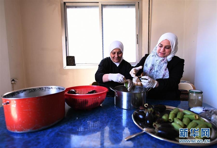 """(國際)(1)通訊:""""達尼婭廚房""""的誕生——敘利亞家庭主婦創業記"""