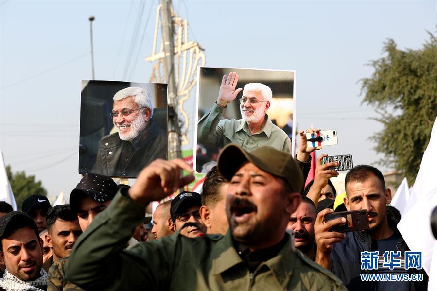 (國際)(2)數千哀悼者在巴格達為蘇萊曼尼送葬