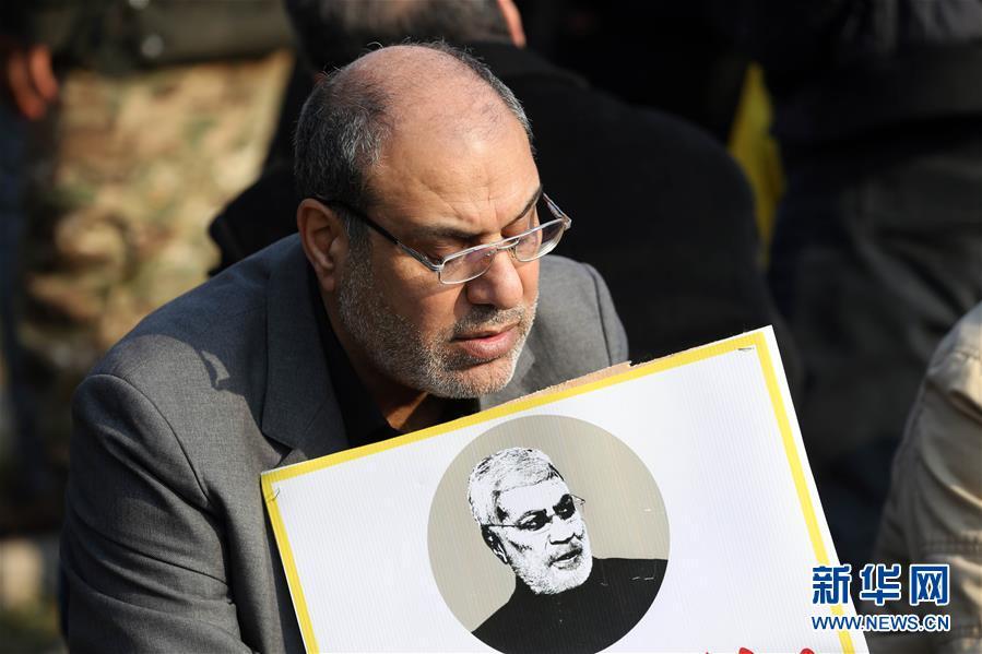 (國際)(3)數千哀悼者在巴格達為蘇萊曼尼送葬