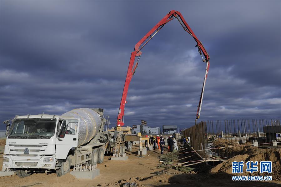 """(國際·圖文互動)(3)通訊:""""一帶一路""""助力哈薩克斯坦實現工業願景——訪哈最大化工項目施工現場"""