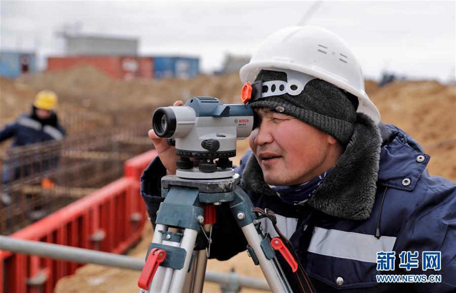 """(國際·圖文互動)(4)通訊:""""一帶一路""""助力哈薩克斯坦實現工業願景——訪哈最大化工項目施工現場"""