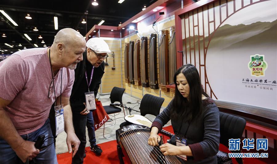 """(国际·图文互动)(2)通讯:中国乐器在美国乐器展上""""奏响强音"""""""