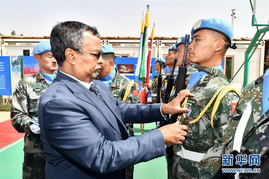 """(國際·圖文互動)(1)中國413名維和官兵被聯合國授予""""和平榮譽勳章"""""""