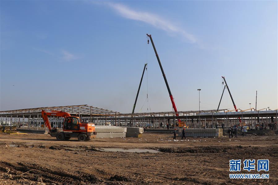(國際疫情)(1)建設中的塔什幹方艙醫院