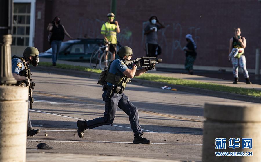 (國際)(1)美國警察執法動作不當致一名非裔男子死亡 引發大規模抗議