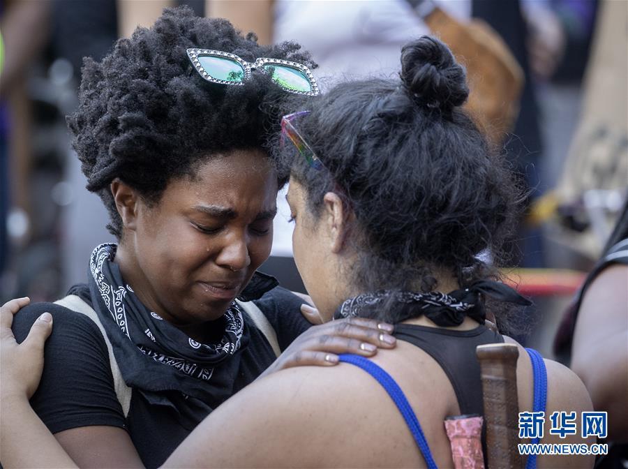 (國際)(2)美國警察執法動作不當致一名非裔男子死亡 引發大規模抗議