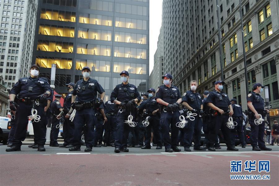 (國際)(5)美國警察執法動作不當致一名非裔男子死亡 引發大規模抗議