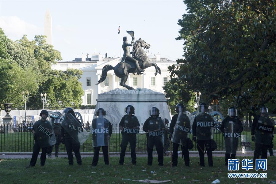 (国际)(2)华盛顿民众抗议警察暴力执法