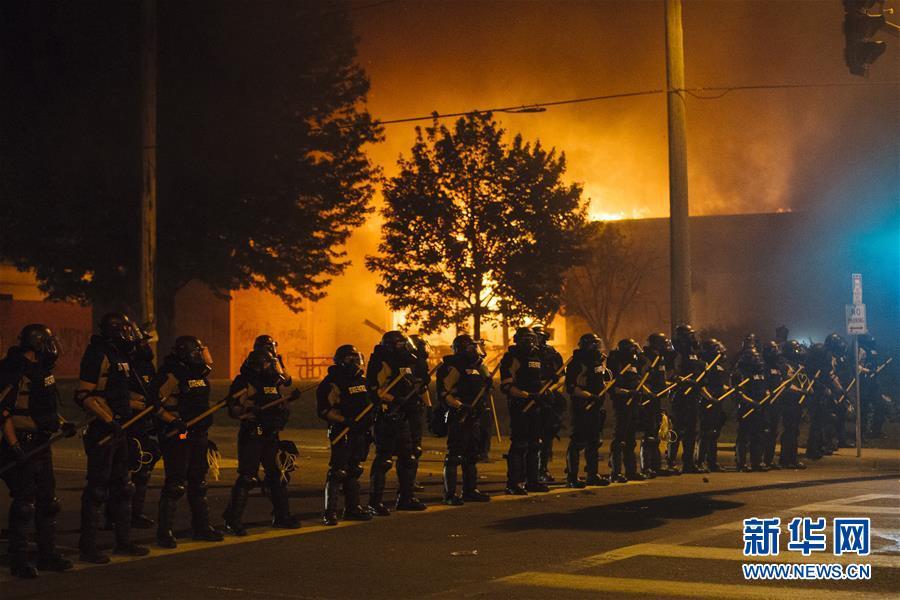 (國際)(1)美國明尼蘇達州部分城市實施宵禁