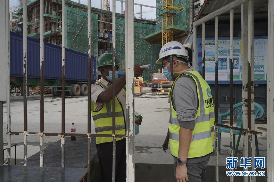 (国际·图文互动)(3)中国港湾科伦坡房建项目复工目击记