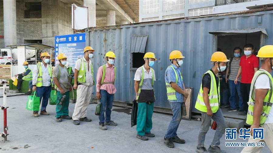 (国际·图文互动)(4)中国港湾科伦坡房建项目复工目击记