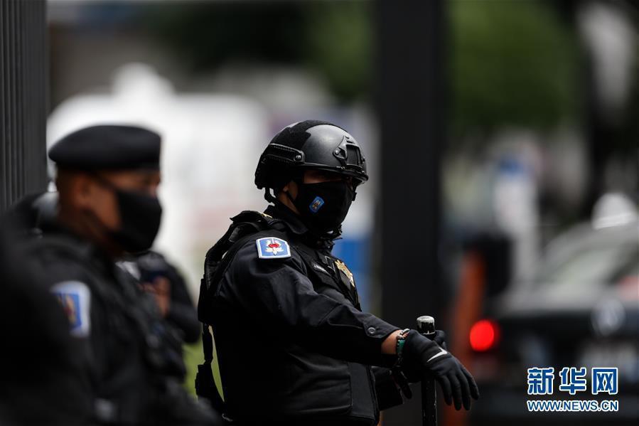 墨西哥城警察局长遇袭受伤