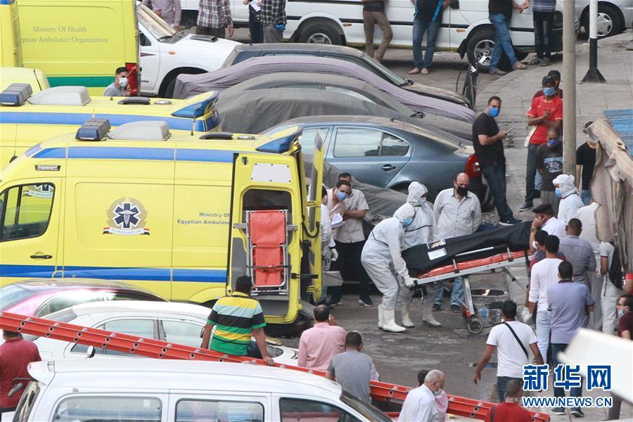 (国际)(1)埃及一家私立医院发生火灾致7人死亡