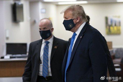 特朗普首次公开戴口罩:我从没反对过戴口罩