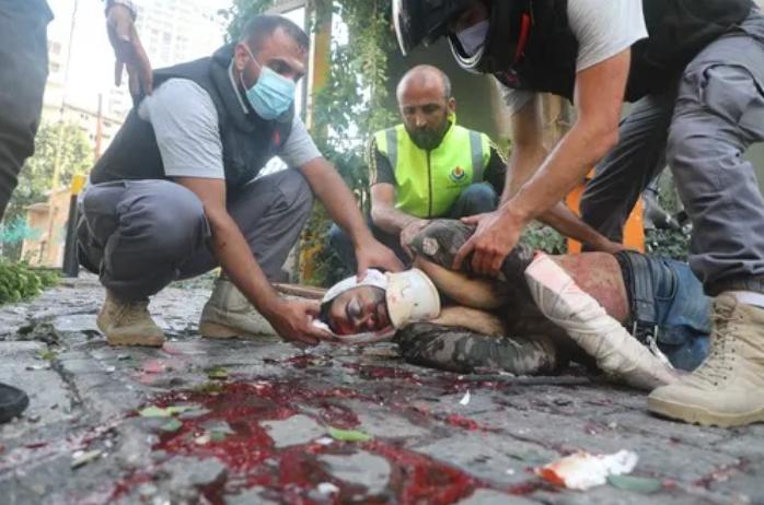 直击!新华社记者在黎巴嫩大爆炸现场发来报道