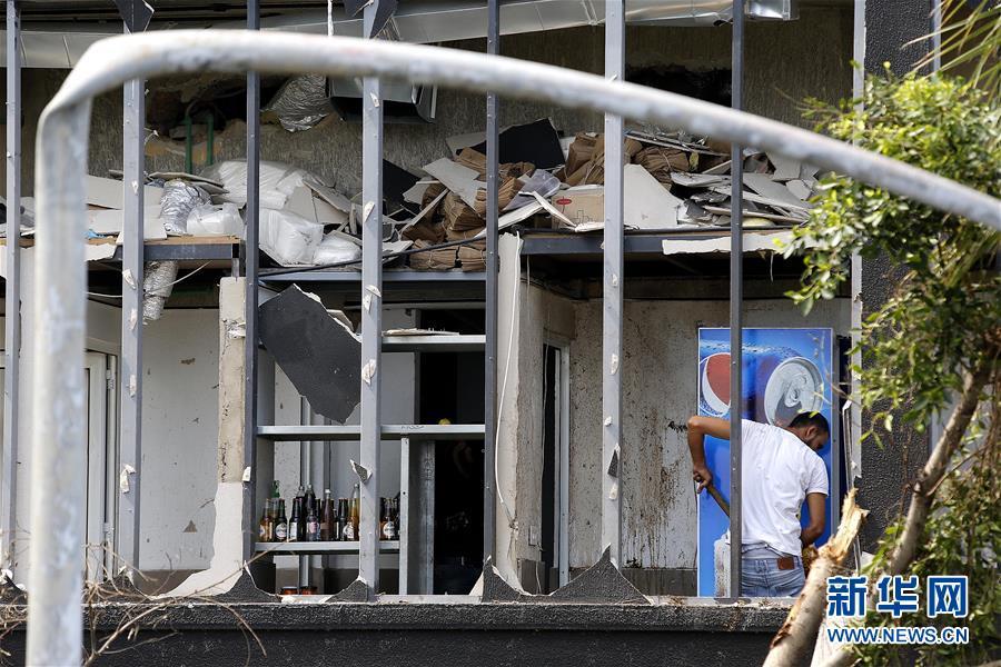(國際)(1)貝魯特民眾清理家園