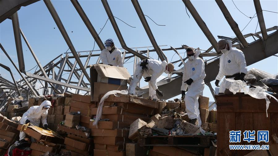 (国际·图文互动)(1)通讯:穿行在废墟间的五星红旗——记中国维和官兵贝鲁特港灾后援助行动
