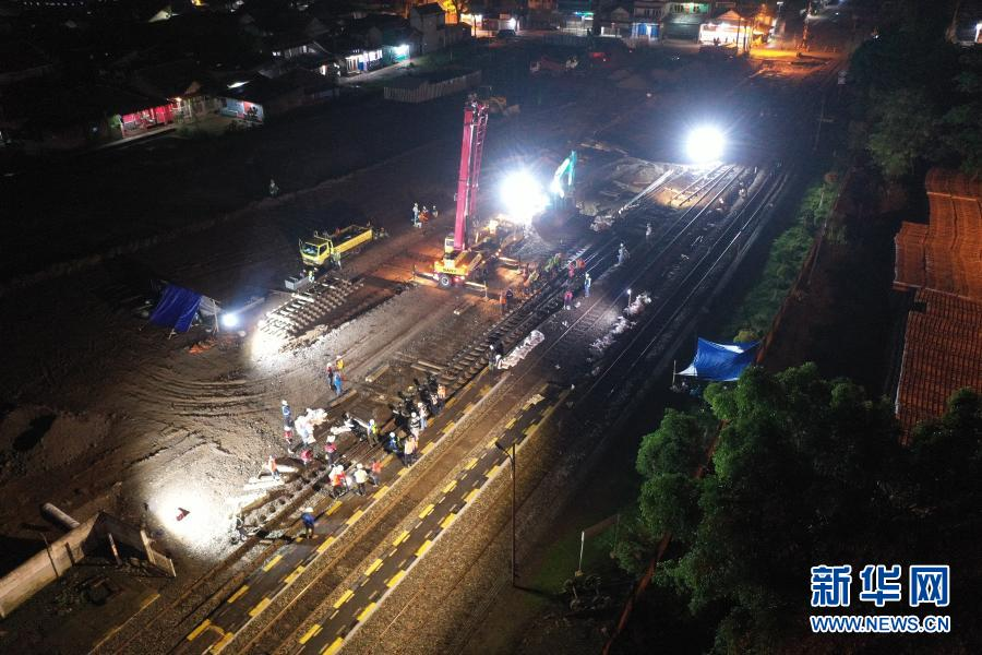 Yawan high speed railway track laying base smoothly connected with Indonesia's existing railway