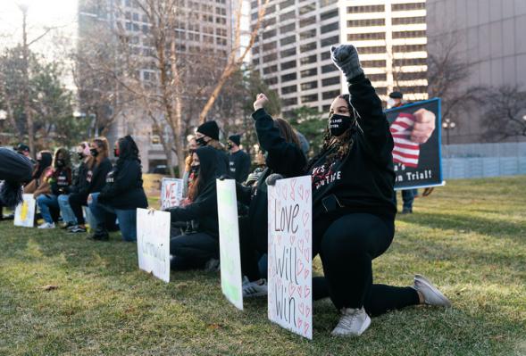 国际观察:弗洛伊德案正式审理 美国种族歧视痼疾难除