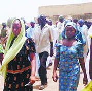 200多女生被劫持   尼日利亚被绑架女生视频发布