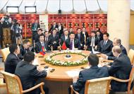 習近平出席三國元首會晤