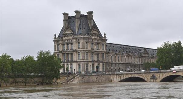 法国卢浮宫和奥赛博物馆因洪水威胁闭馆
