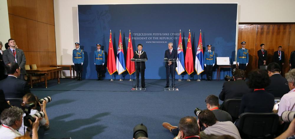 習近平與塞爾維亞總統尼科利奇共同會見記者